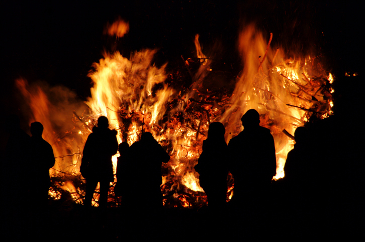 Lighting bonfires on Saint-Jean Baptiste day