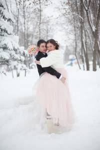 Winter wedding dates are becoming increasingly popular.