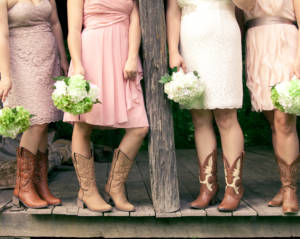 While you may already have some ideas for a wedding theme, take time to research the latest trends to ensure you are knowledgeable about all your options.