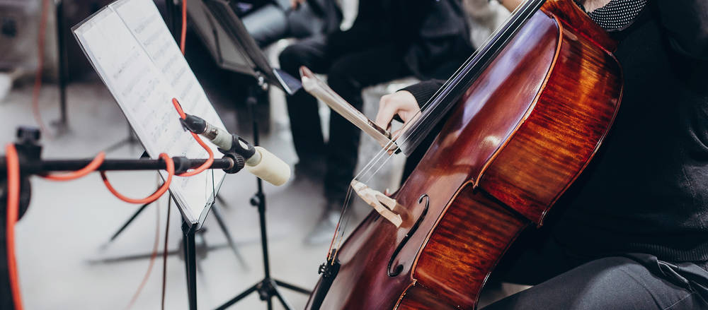 Choosing the right wedding entertainment is key for your wedding. Thankfully, there are a few easy questions you can ask to make your journey a bit easier.